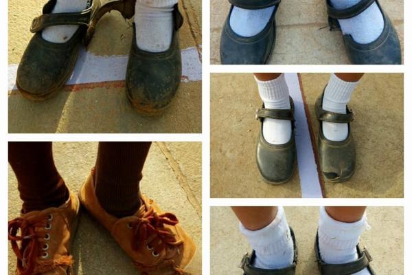 ใครแชร์ขอให้ได้บุญเยอะๆ !!! ขอเชิญผู้มีจิตศรัทธา บริจาครองเท้านักเรียน. รองเท้าผ้าใบ โรงเรียนตรีมิตรวิทยา